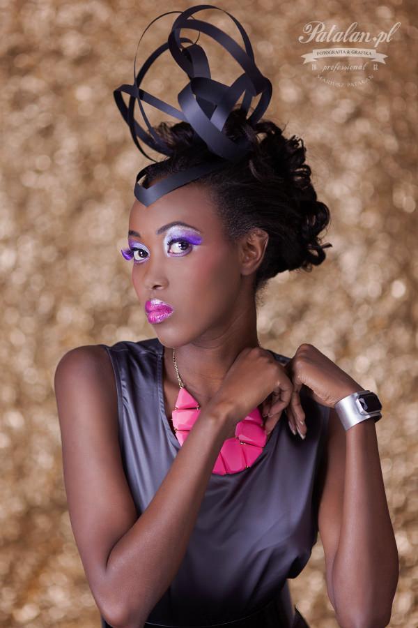 piękny makijaż, makeup na sesję zdjęciową, zielono złoty makijaż, czarnoskóra modelka, sesja zdjęciowa   fashion, murzynka sesja zdjęciowa, sesja modowa, portret murzynka