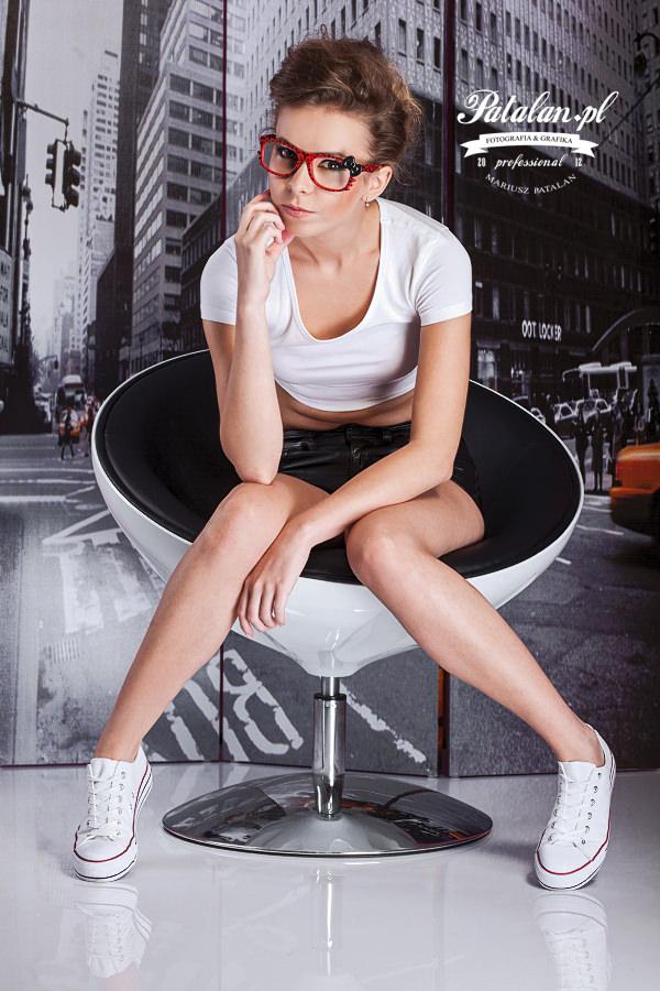 seksowna modelka, zmysłowa sesja, senualna sesja zdjęciowa, piękny portret, zdjęcia w studio, pani   profesor modelka,